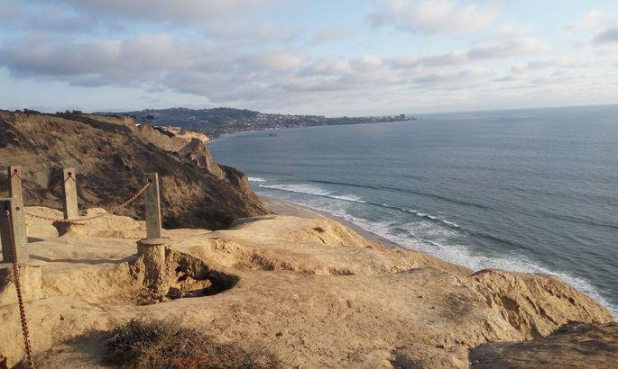 ВКалифорнии океан стал светиться ночью