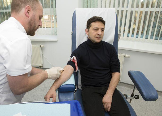 ВУкраинском государстве проходит 2-ой тур президентских выборов— Зеленский или Порошенко