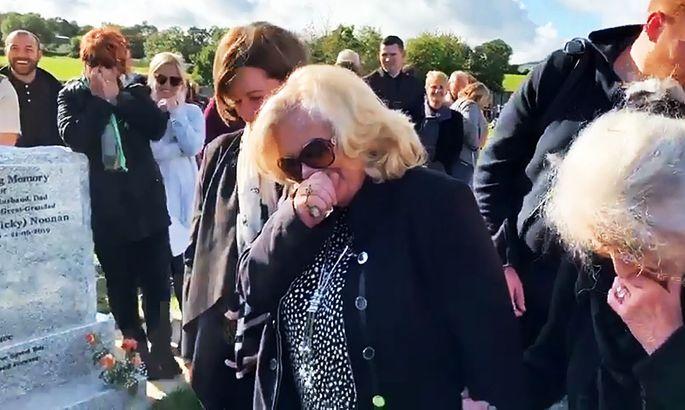 «Выпустите меня!» Мужчина развеселил семью идрузей насобственных похоронах