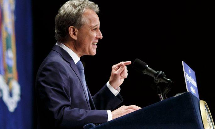 Генеральный прокурор Нью-Йорка ушел вотставку после обвинений визбиении женщин