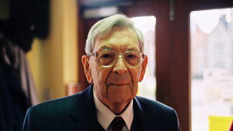 Bob Weightoni sünnipäev on linnas pidulik suursündmus, teda tuleb tavaliselt õnnitlema linnapea ja lapsed käivad talle laulmas. Sel aastal peab vanahärra koroonaviiruse tõttu sünnipäeva veetma üksinda.