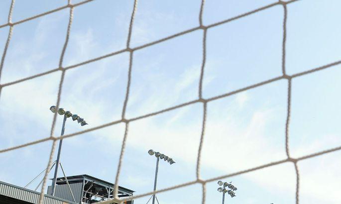 90fed2d89dc Video: jalgpallur teenis viis sekundit pärast avavilet punase kaardi ...