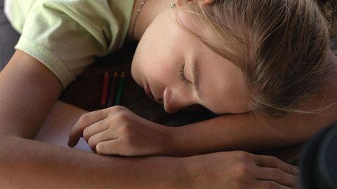 Kui ei saa end korralikult välja puhata, siis kannatab ka immuunsüsteem. Eesti koolilapsed ei saa piisavalt und.