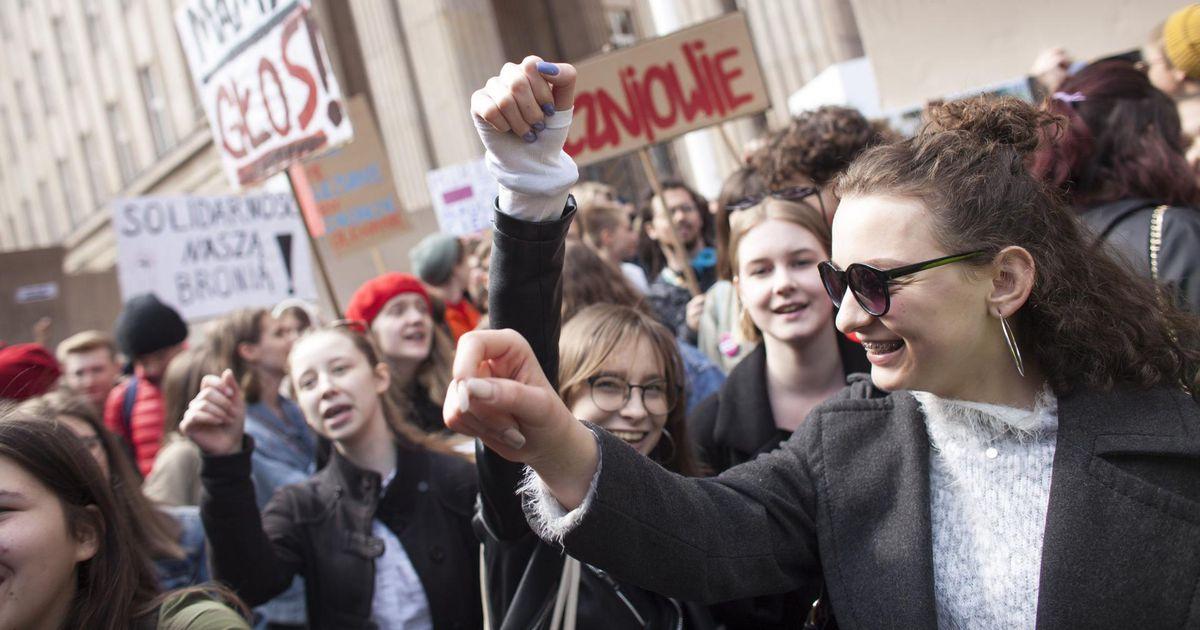 KOHALIK VAADE. Poola valitsus riskib hariduskaosega