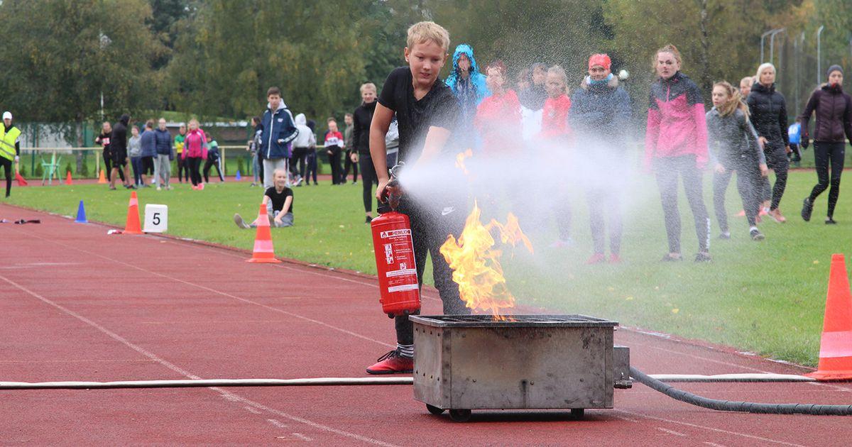 Koolinoorte tuletõrjespordi mängud tõid Türile sadu noori