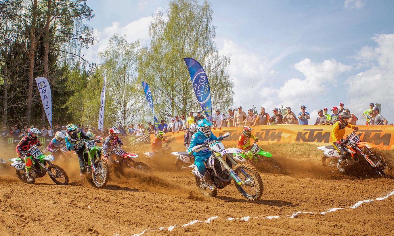 Karksi-Nuias sõideti Eesti motokrossi meistri- ja karikavõistluste avaetapp, kus kuninglikus Monster Energy MX1 klassis võttis peale põnevaid võidukihutamisi et