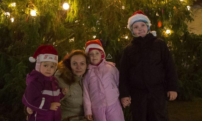 cf79bdc7b84 JÕULUOOTUSES: Helen Rüütlil on jõulueelne aeg tegemisi täis ning aega tuleb  planeerida. Kiirel ajal leiab ta aga aega, et Risto, Helery ja Ketlyga ...