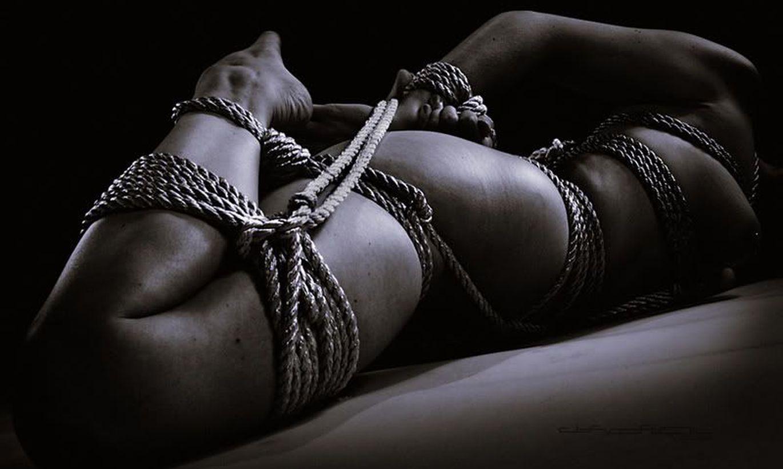 Связанные верёвкой девушки порно, бдсм порно и жесткий секс: ролики с пытками 24 фотография