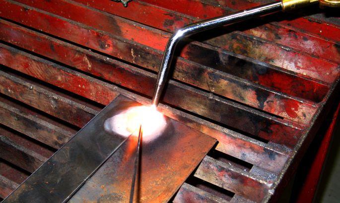 3b13aac702b Gaaskeevitus on sulakeevitusviis, kus vajaminev kuumus metalli sulatamiseks  saadakse põlevgaasi ja hapniku segust süüdatud leegist.