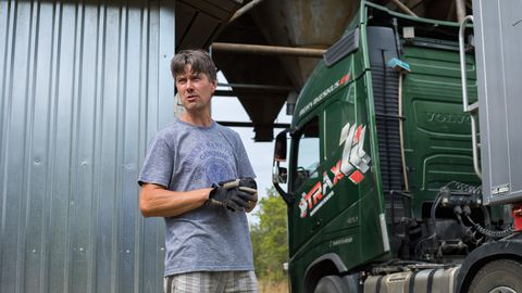 Praamijärjekorrad pidurdavad Saaremaal viljakoristust