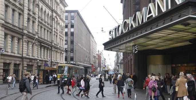 9f16c0c1807 Helsingis Stockmanni kaubamaja juures tabati alasti eestlane ...