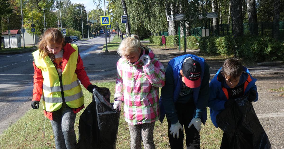 Maailmakoristuspäev: koolipere puhastas ümbrust