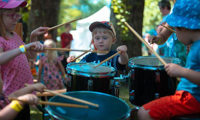 4ae7f82ae72 Galerii: rõõmsate laste festivalil on lõbu ja lusti laialt - Uudised ...