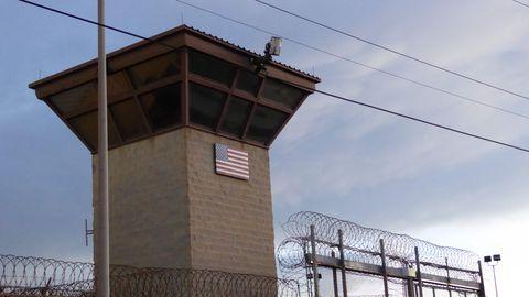 Bideni valitsus tahab sulgeda pea 20 aastat toiminud Guantánamo laagri