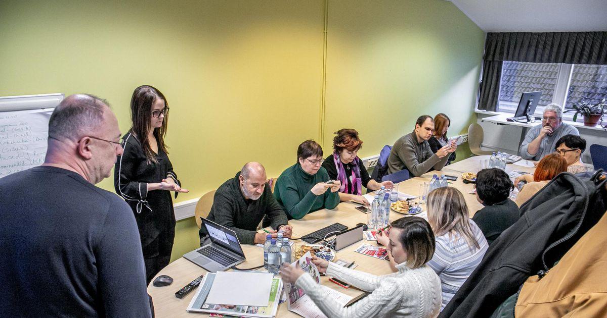 Pärnut uudistanud Ukraina ajakirjanikes tekitas elevust helkuri kohustuslikkus