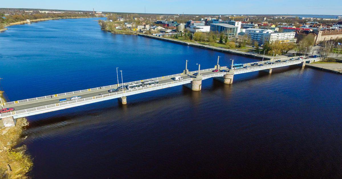 Kesklinna sillal on neljapäeva õhtul liiklus häiritud
