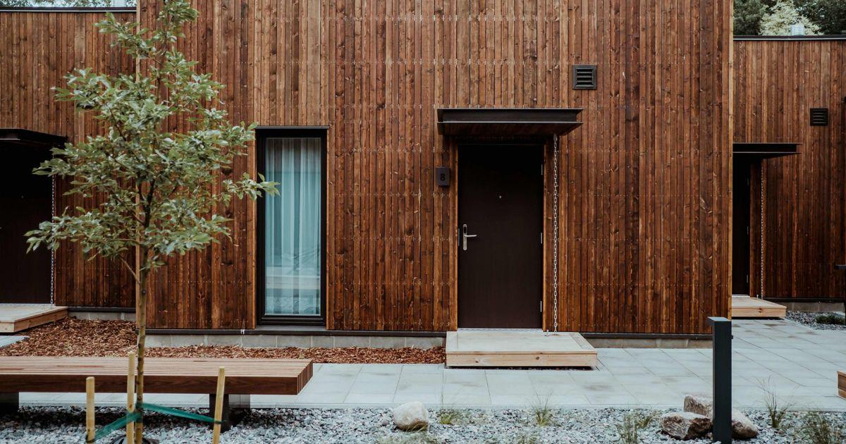 Galerii: uus hotell üllatab roheseina ja sakiliste koridoridega