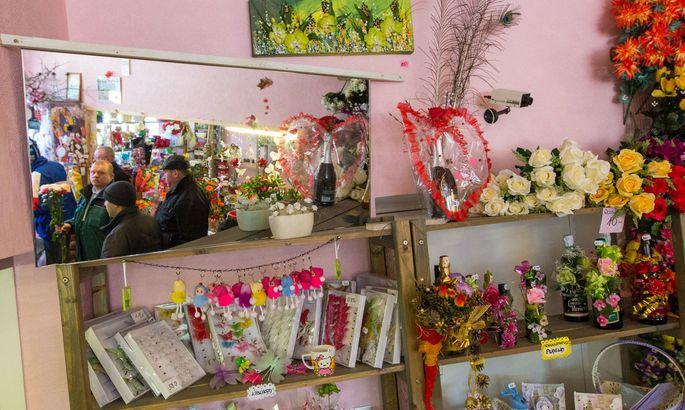65a78455d43 GALERII: Naistepäev tõi lillerohkuse - Galerii - Lõuna-Eesti Postimees