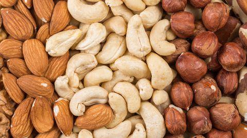 Enim kaitsesid haiguste eest puu otsas kasvavad pähklid, näiteks sarapuu või India pähklid.