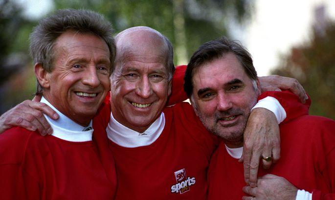 f592c736335 Manchester Unitedi legendid Denis Law (vasakult), Bobby Charlton ja George  Best.