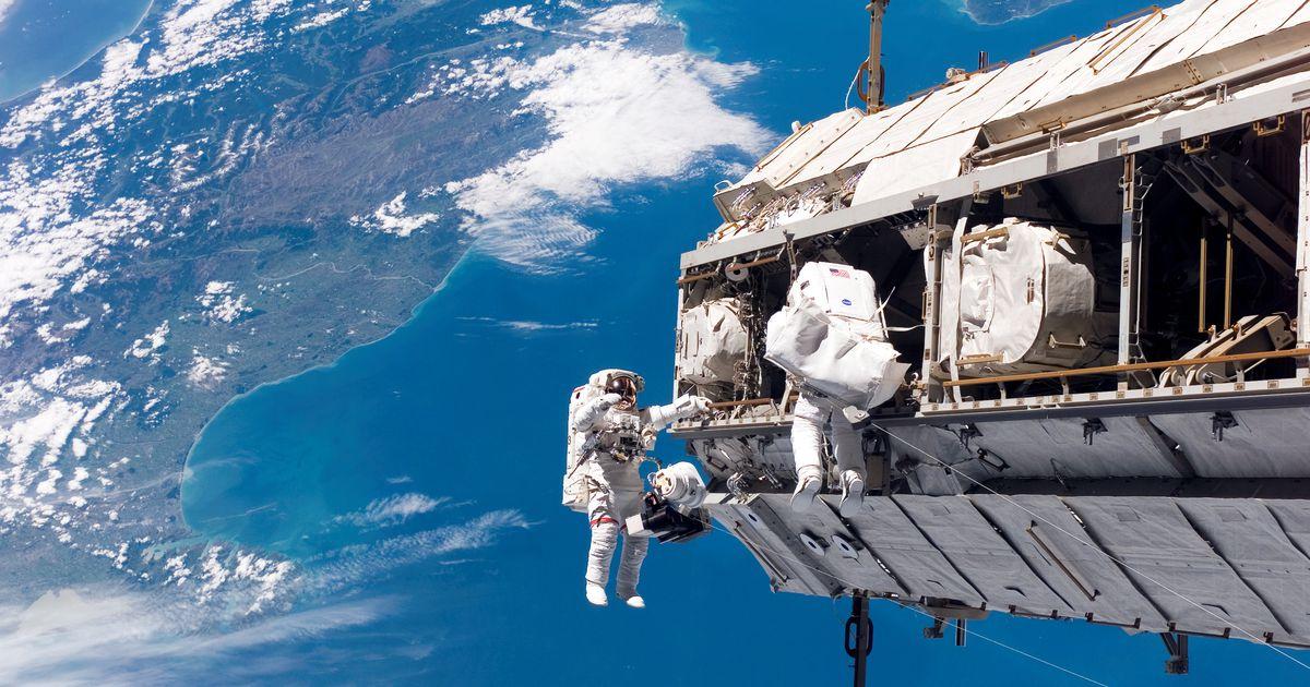 Vaata otse: astronaudid käivad pikal kosmosekõnnil kosmosejaama parandamas
