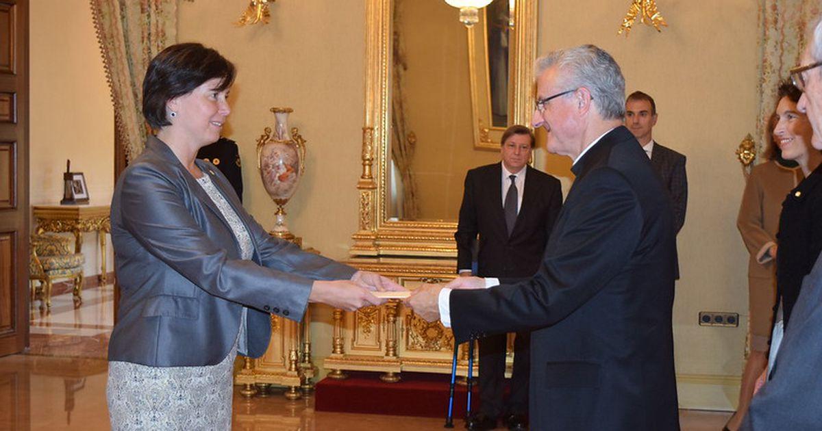 Fotod: Eesti uus suursaadik Andorras andis üle volikirja
