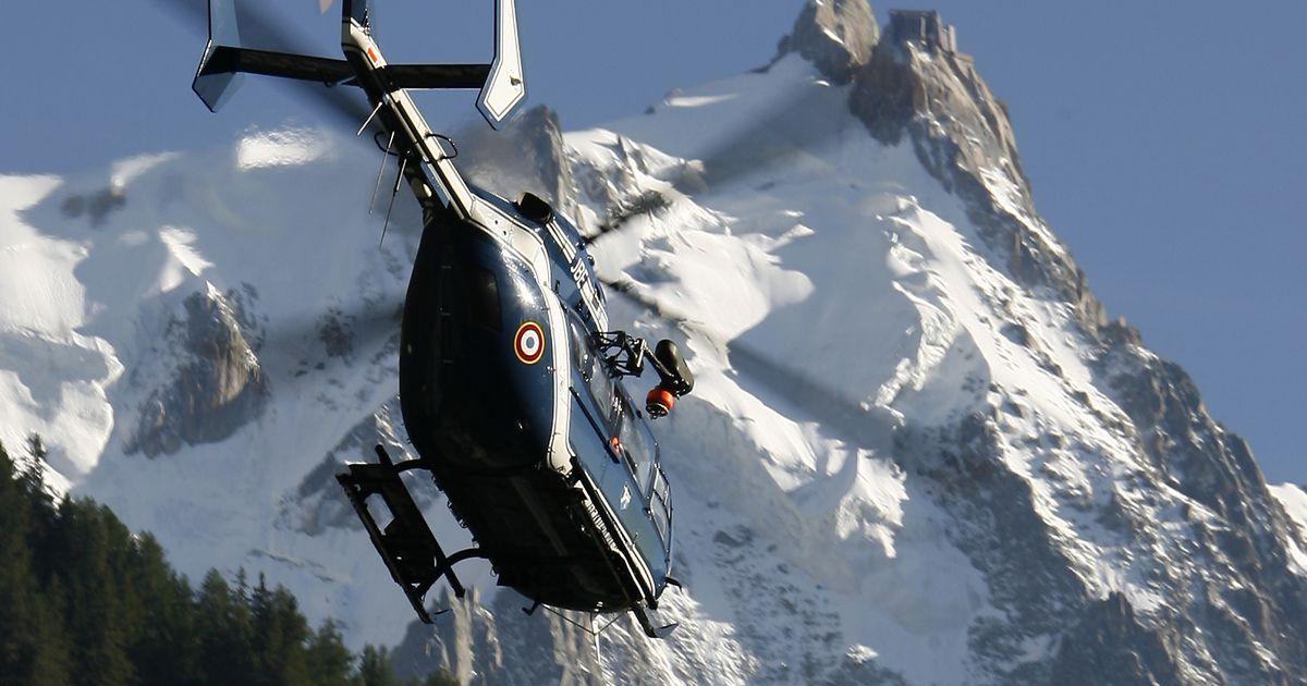Nagu Bondi filmis! Mägironijad laskusid lennukiga Mont Blancile, politsei kannul