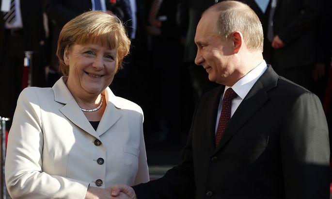 Путин и Меркель подводят итоги переговоров в Сочи