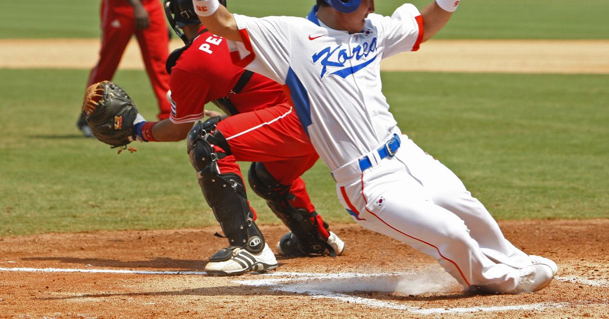 olympics baseball essay Can professional athletes compete in the olympics herbert kratky / shutterstockcom the olympics, which occurs every four years, is one of the world's greatest.