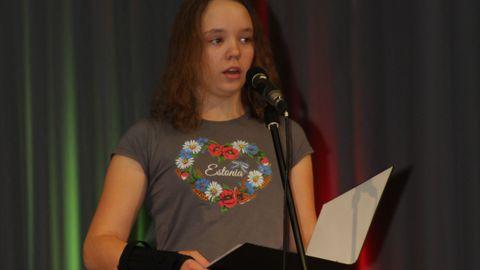 Varem esinemise ees paanikat tundnud Loore-Ly Mahla esinemas 2016. aasta jõuludel.