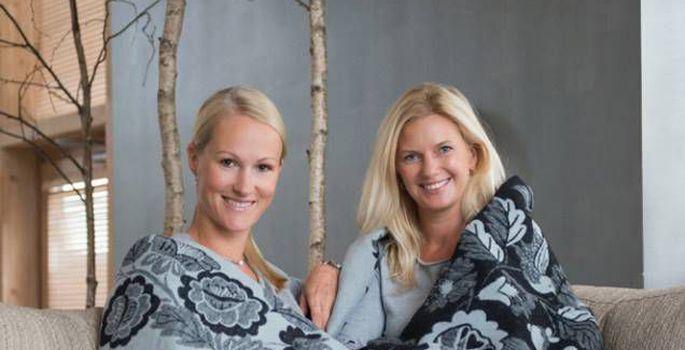 f2cba8288fc Helen Vaksa ja disainer Marilin Sikkali koostööst sündis õitest pulbitsev  Muhu lilletekk